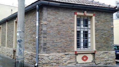 Dekorativni-prirodni-kamen-fasada-stanglice